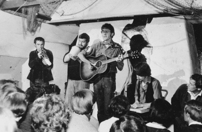 Ralph McTell performing at the Folk Cottage. Photo courtesy of John Langford